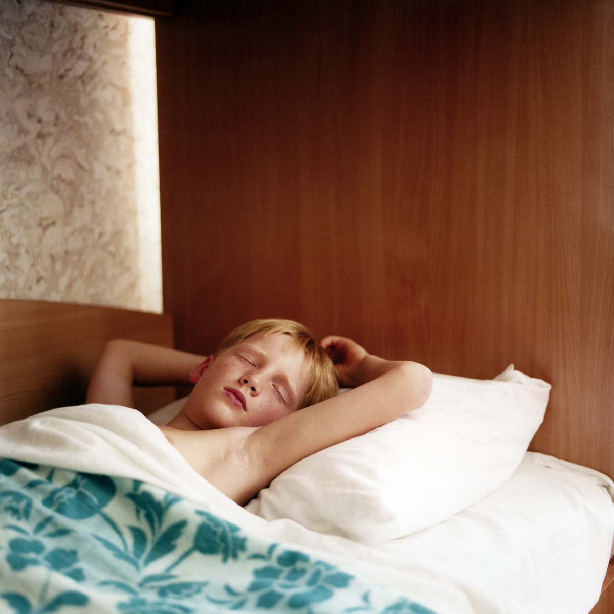 copyright: Frank Rothe | sleeping boy